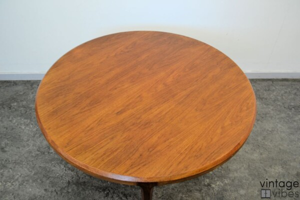 Mid-century Modern Coffee Table by Johannes Andersen - top