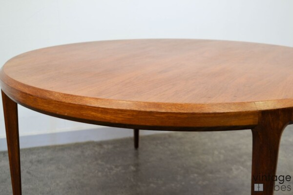Mid-century Modern Coffee Table by Johannes Andersen - detail top and side