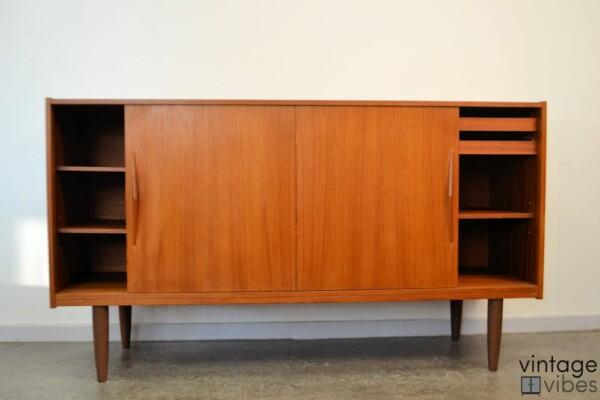 Deens design teak dressoir (detail)