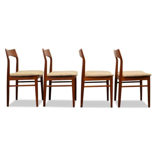 Vintage stoelen van Henning Kjaernulf