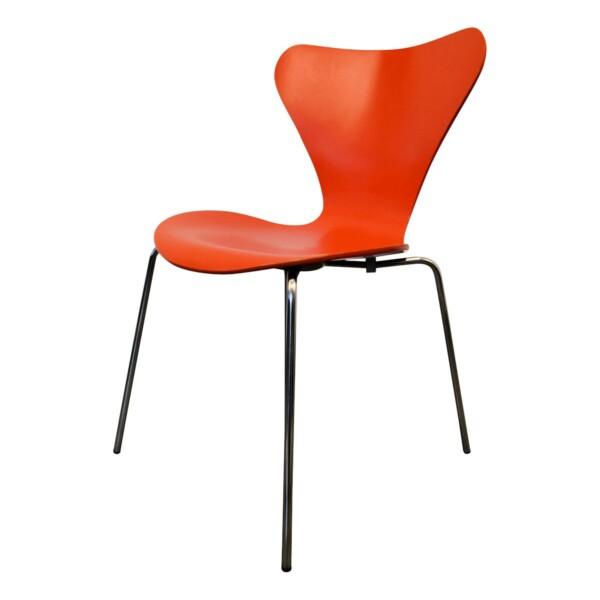 Arne Jacobsen model 3107 stoel