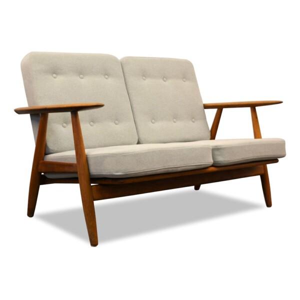 """Hans J. Wegner Two-seater Sofa Model GE-240/2 """"Cigar"""""""