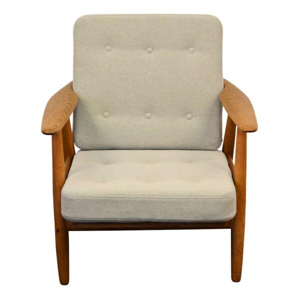 """Hans J. Wegner Lounge Chair Model GE-240 """"Cigar"""""""
