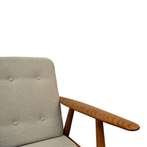 """Hans J. Wegner Lounge Chair Model GE-240 """"Cigar"""" - detail"""