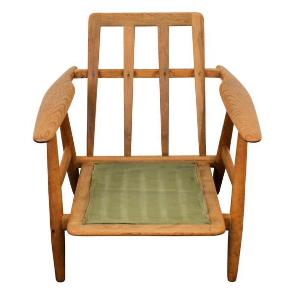 Vintage Hans J. Wegner GE-240 eiken fauteuil (detail)