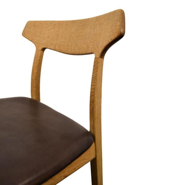 Vintage eiken stoel van Henning Kjaernulf (detail)