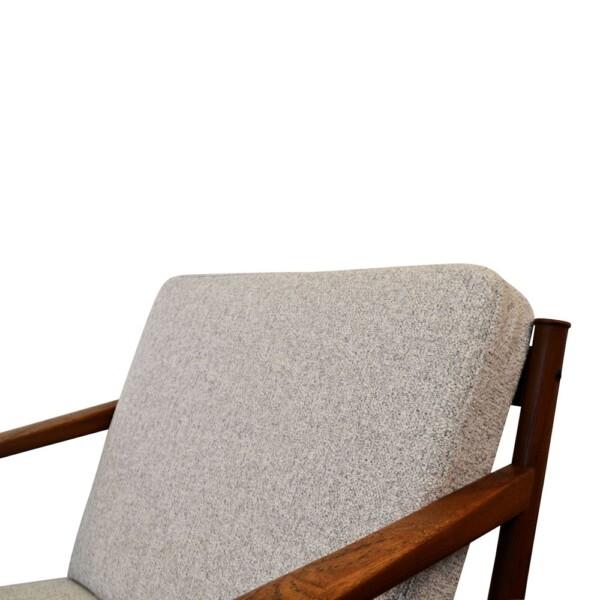 Peter Hvidt & Orla Mølgaard teak fauteuil (detail)