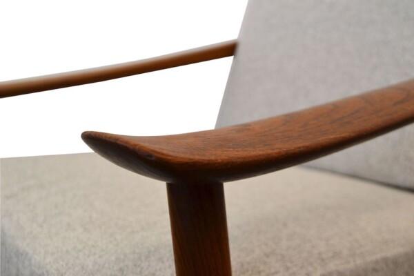 Peter Hvidt & Orla Mølgaard Nielsen FD-130 Lounge Chairs - detail armrest