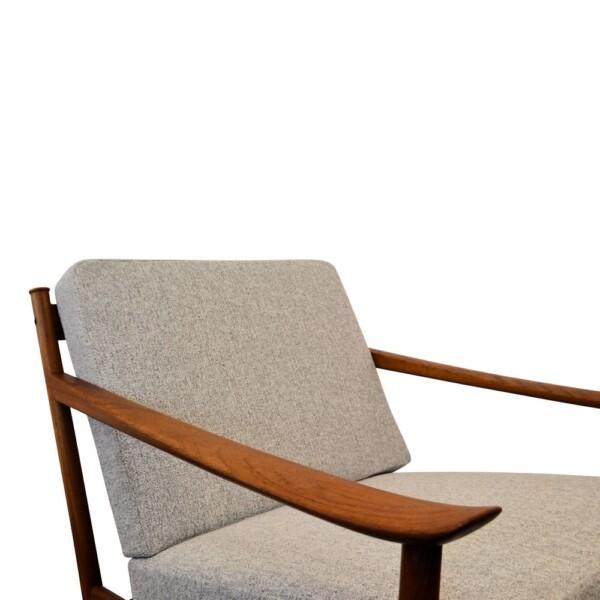 Peter Hvidt & Orla Mølgaard Nielsen FD-130 Lounge Chairs - detail