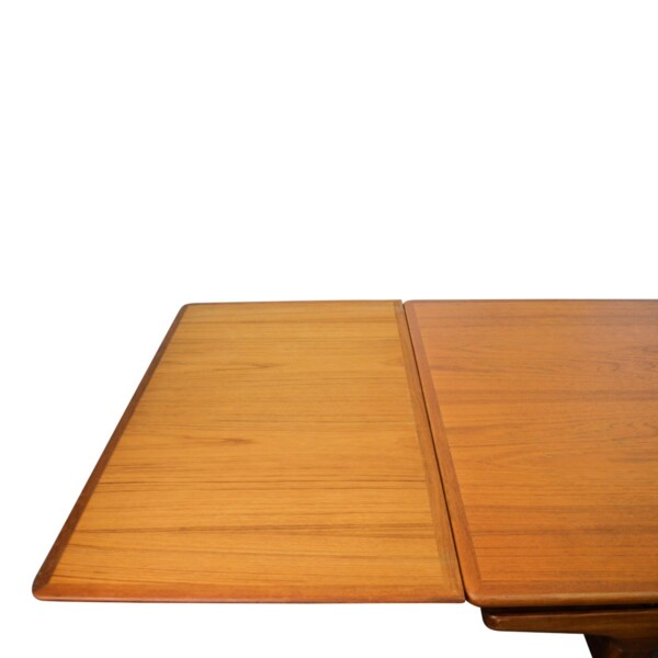 Vintage Teak Dining Table by Johannes Andersen - detail extension