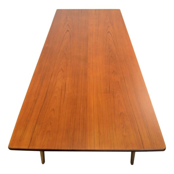 Vintage Danish Dining Table by Børge Mogensen - top