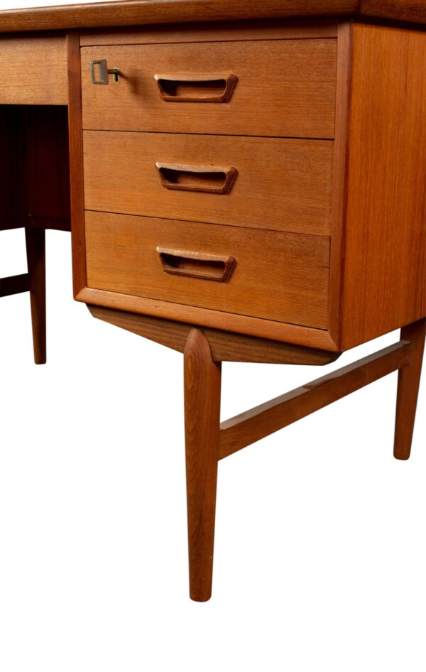 Vintage Deens design teak bureau (detail)