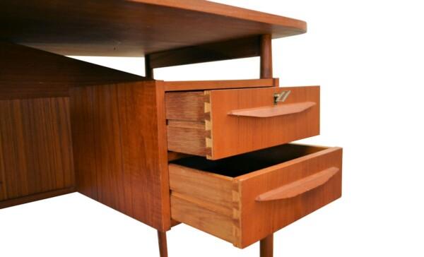 Vintage Gunnar Nielsen teak bureau (detail)