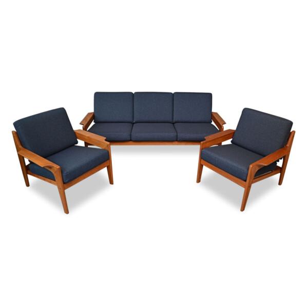 Stunning vintage teak lounge chairs and sofa designed by Danish designer Arne Wahl Iversen for Komfort.