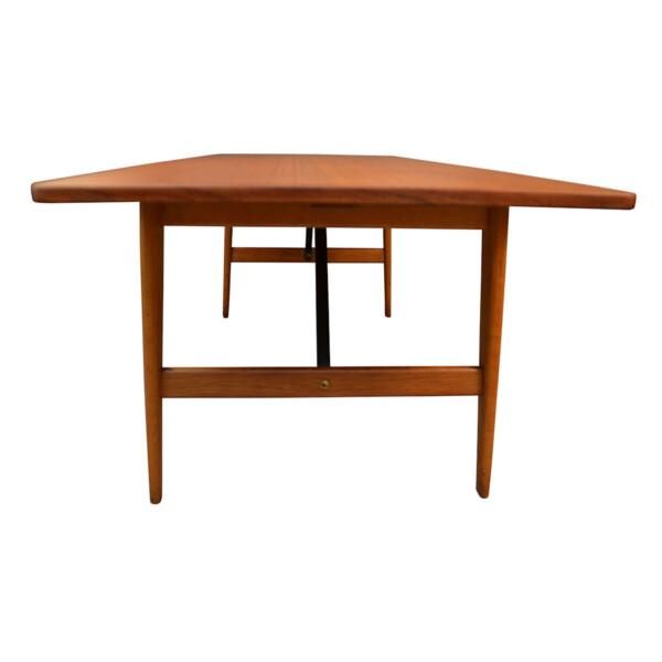 Vintage Danish Dining Table #281 by Børge Mogensen -detail