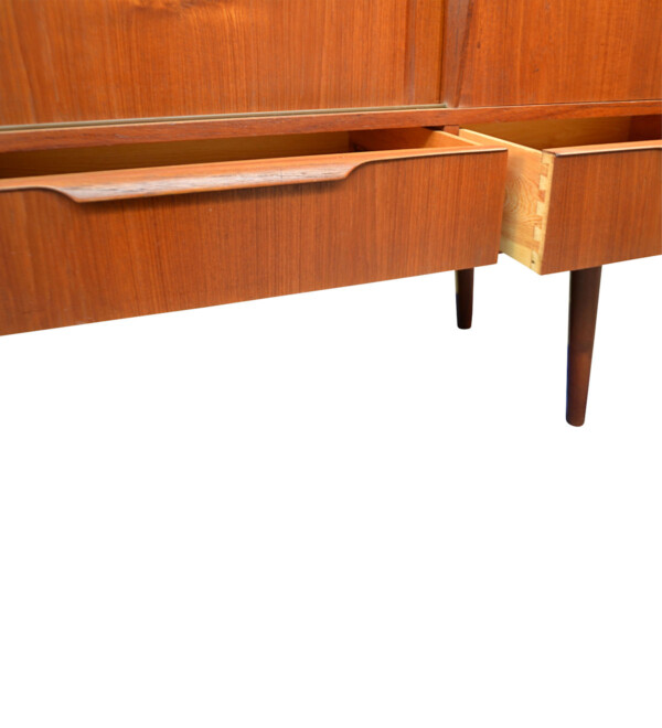 Vintage Teak Danish Highboard - detail