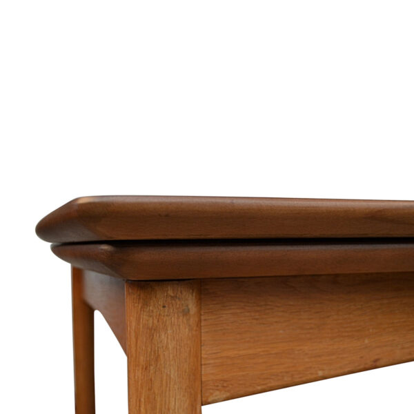Vintage Teak Danish Dining Table by Poul Volther - detail